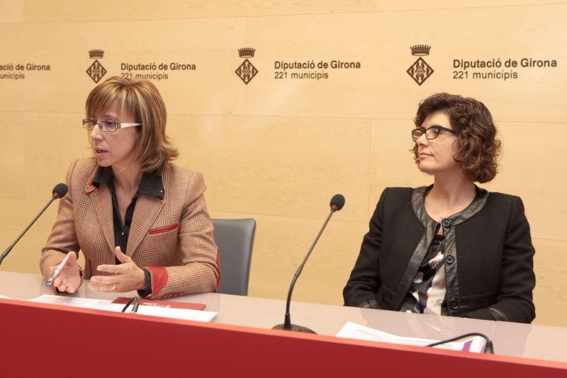 Foto 1 : La presentació del Pla ha estat a càrrec de la vicepresidenta i diputada de Règim Intern i Hisenda, M. Teresa Ferrés, i Ana Salas, magistrada del Jutjat Social de Santa Cruz de Tenerife.