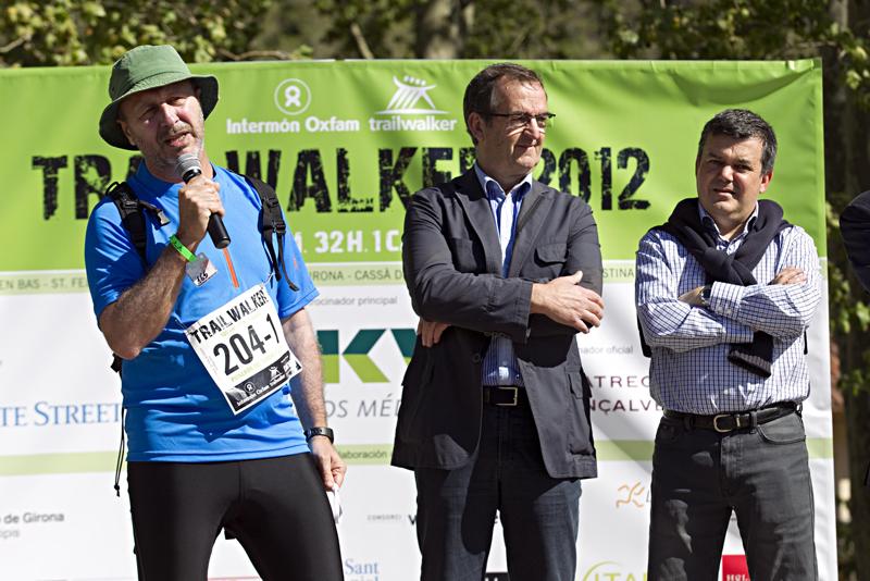 Foto 1 : <p>Foto (d&rsquo;esquerra a dreta): Rafael Sanch&iacute;s, director de comunicaci&oacute; i m&agrave;rqueting d&rsquo;Interm&oacute;n Oxfam; Miquel Calm, president del Consorci de les Vies Verdes i vicepresident de la Diputaci&oacute; de Girona, i Carles Llorens, director general de Cooperaci&oacute; al Desenvolupament. Autoria: Consorci de les Vies Verdes de Girona - Interm&oacute;n Oxfam Trailwalker</p>