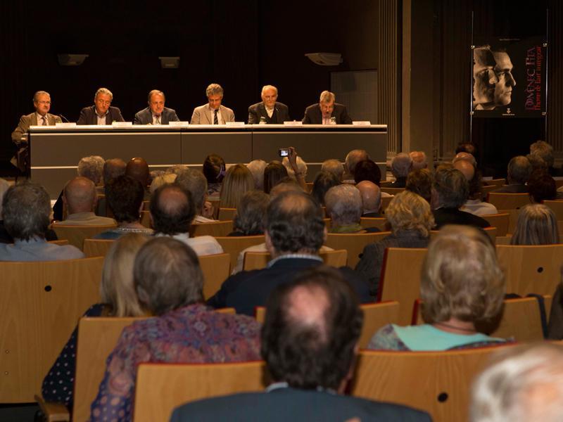 Foto : La presentació del llibre va tenir lloc a l'Auditori Josep Irla de la seu de la Generalitat a Girona