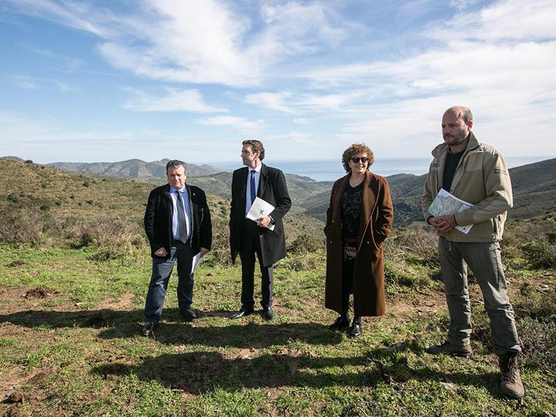 Foto 2 : <p>L&rsquo;Obra Social &ldquo;la Caixa&rdquo; i la&nbsp; Diputaci&oacute; de Girona creen una franja de prevenci&oacute; d&rsquo;incendis forestals entre Llan&ccedil;&agrave; i Colera&rdquo;.</p>