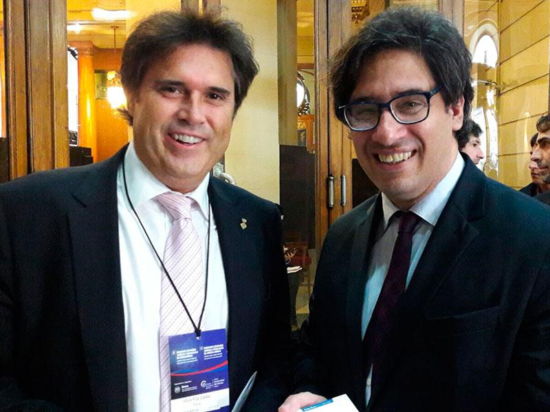 Foto : Pere Vila juntament amb Germán Garavano, ministre de Justícia i Drets Humans d'Argentina al  II Congrés Biennal de Seguretat Jurídica i Democràcia a Llatinoamèrica. Foto: Diputació de Girona.