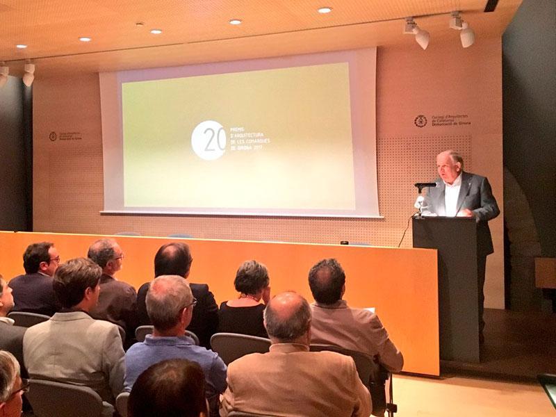 Foto : Fermí Santamaria a l'entrega dels Premis d'Arquitectura de les Comarques de Girona