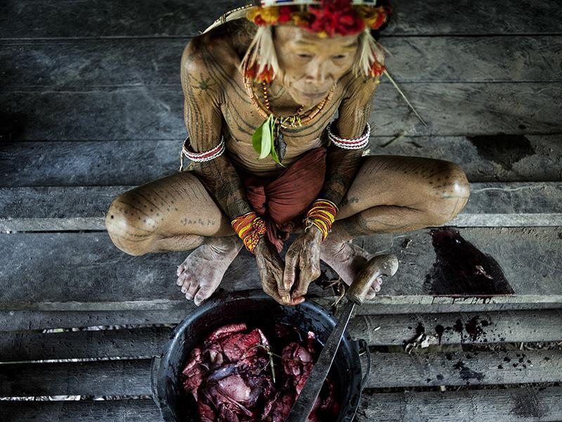 Foto : <p>Fotografia de l'exposició <em>Mentawai, progrés o retrocés?</em>. Marina Calahorra.</p>