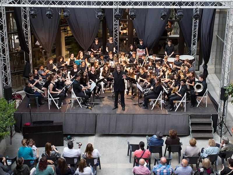 Foto 1 : <p>Els concerts del Pati Cultural, bandes i <em>Va de guitarres... </em>del conservatori de Girona</p>