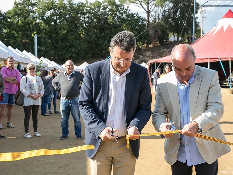 Foto 1 : <p>Inaugurada la primera Fira Mediambiental del Montseny a Riells i Viabrea</p>