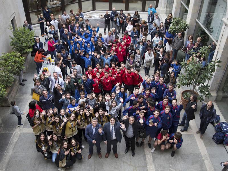 Foto 1 : <p>La Diputaci&oacute; rep els joves esportistes gironins millor classificats al MIC 2017</p>