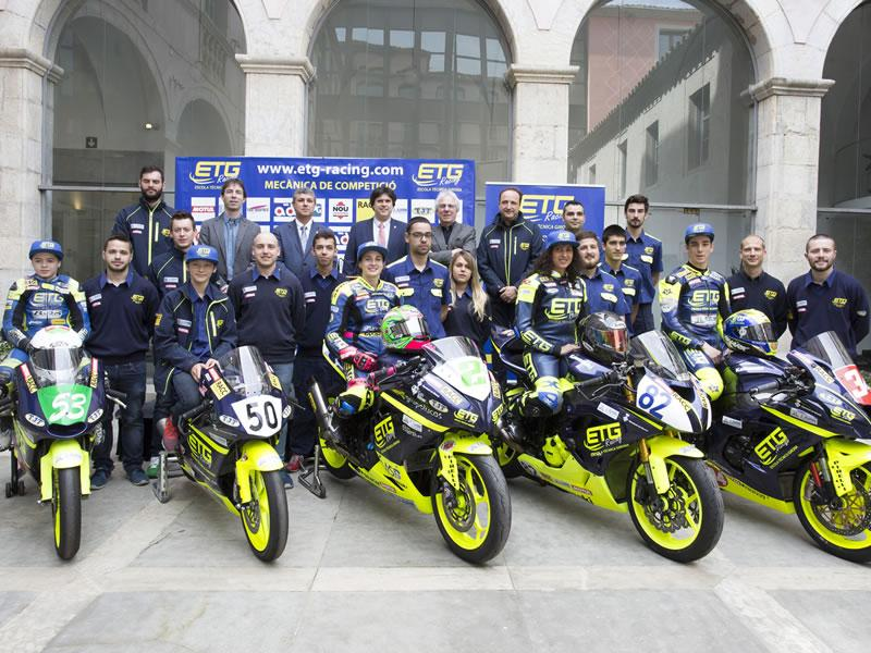 Foto 1 : <p>Presentaci&oacute; de l&rsquo;equip giron&iacute; de motociclisme, ETG R&agrave;cing, a la Diputaci&oacute; de Girona</p>
