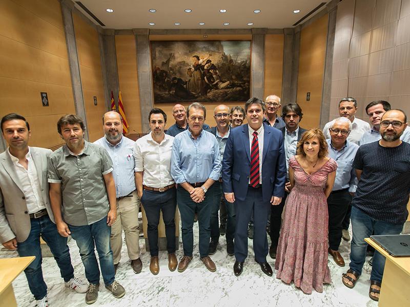 Foto 1 : <p>La Diputaci&oacute; de Girona, el Consorci Vies Verdes i tretze ajuntaments signen un conveni per cofinan&ccedil;ar l&rsquo;ampliaci&oacute; de la Xarxa de Vies Verdes</p>