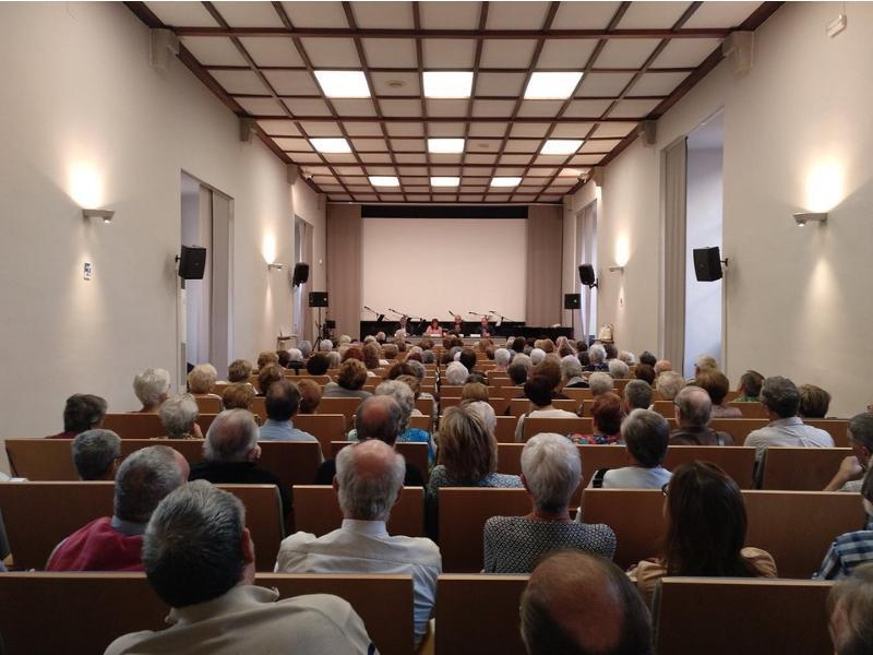 Foto 2 : M. Àngels Planas inaugura el nou curs de les Aules d'Extensió Universitària per a la Gent Gran de Girona<br>