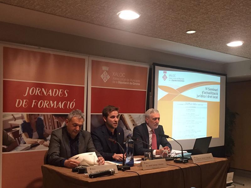 Foto 2 : XALOC du a terme una jornada de formació sobre el dret d'accés a la informació pública i la protecció de dades
