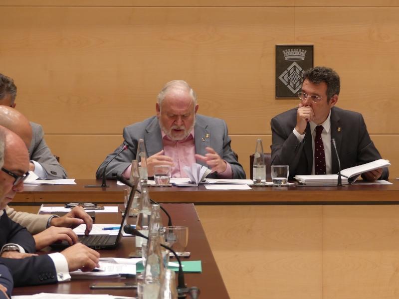 Foto 5: La Diputació aprova convenis per gestionar el servei d'intervenció especialitzada per a dones que pateixen violència masclista