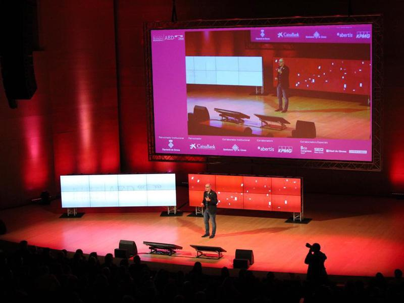 Foto 2 : El diputat Albert Gómez participa en la clausura de «Reinventa't» 2018 a Girona