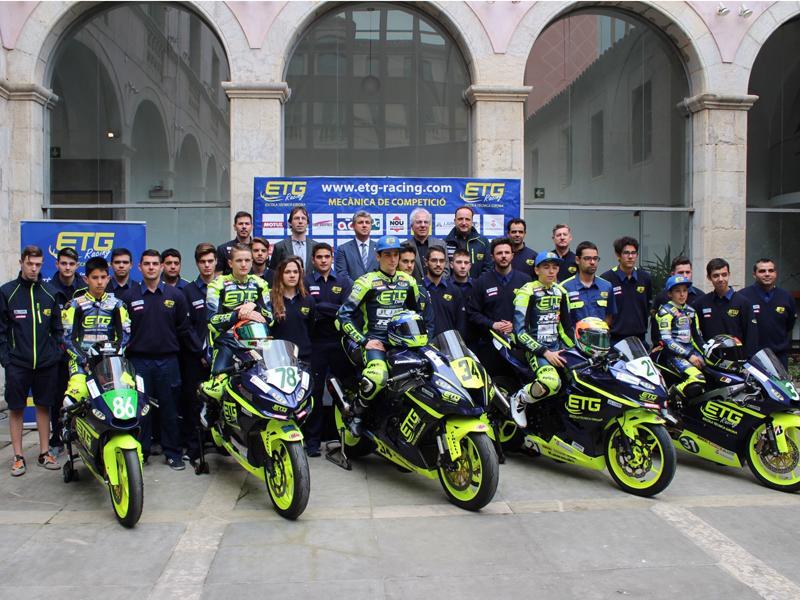 Foto 1 : Presentació de l'equip gironí de motociclisme ETG Racing a la Diputació de Girona