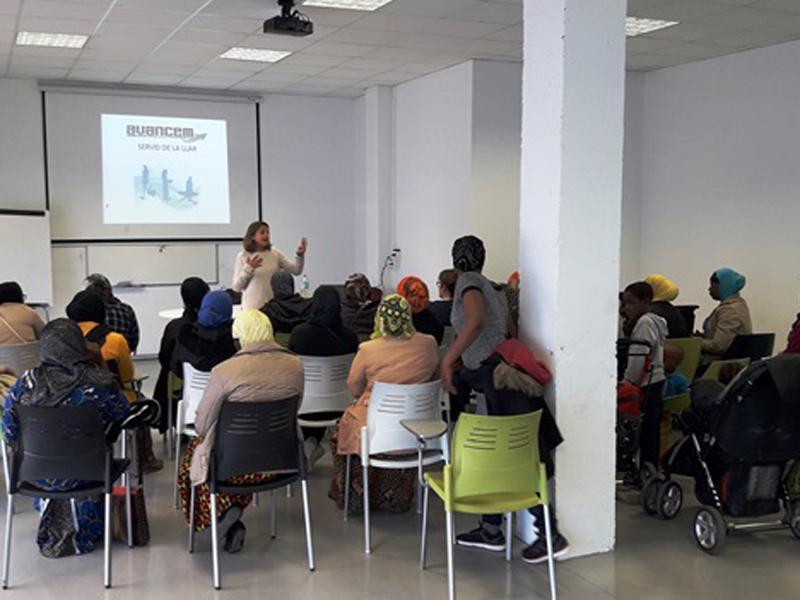 Foto 1 : Foto de la presentació del projecte O-COOPA'T de Celrà. Autoria: Ajuntament de Celrà.