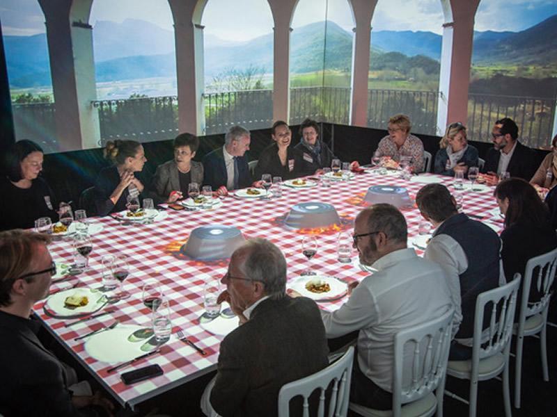 Foto 3 : L'experiència sensorial TastEmotion presenta l'oferta turística de la Costa Brava i el Pirineu de Girona a una seixantena d'agents de viatges i prescriptors alemanys