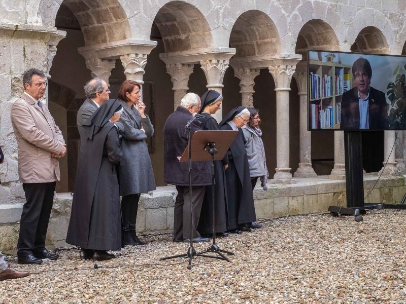 Foto 2: <div>Miquel Noguer assisteix a l'acte de cloenda del Mil·lenari del Monestir de Sant Daniel</div>