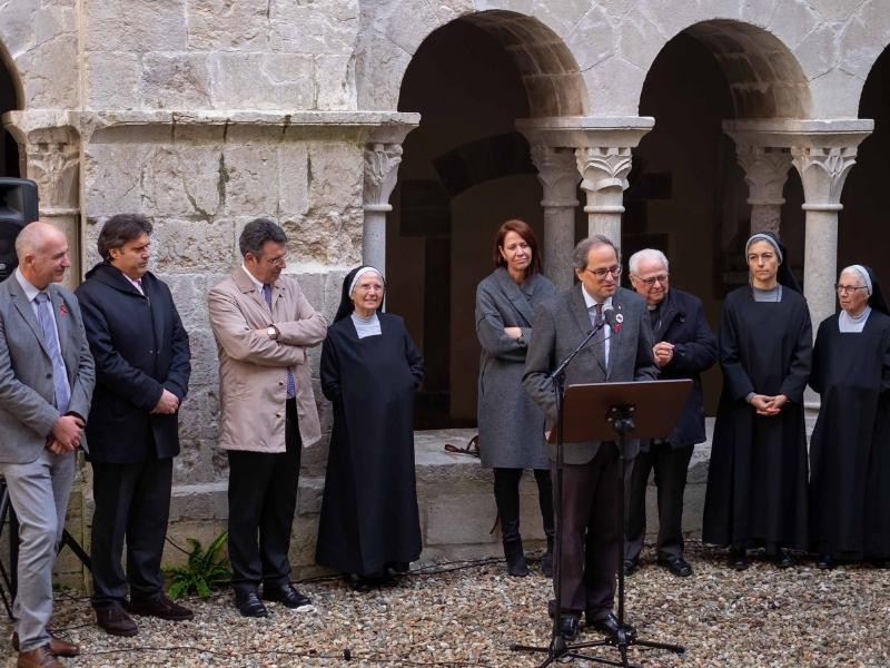 Foto 3: <div>Miquel Noguer assisteix a l'acte de cloenda del Mil·lenari del Monestir de Sant Daniel</div>