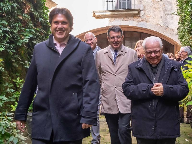 Foto 6: <div>Miquel Noguer assisteix a l'acte de cloenda del Mil·lenari del Monestir de Sant Daniel</div>