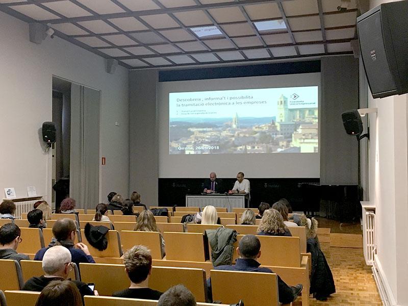 Foto 1 : La Diputació de Girona participa en un jornada formativa sobre la Finestreta Única Empresarial