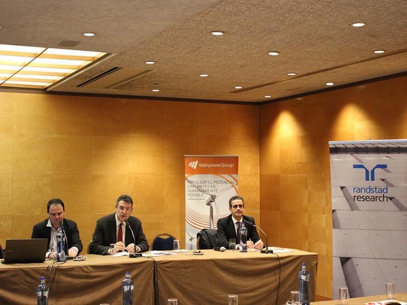 Foto 2 : Miquel Noguer presenta el XIV Congrés Internacional de Recursos Humans