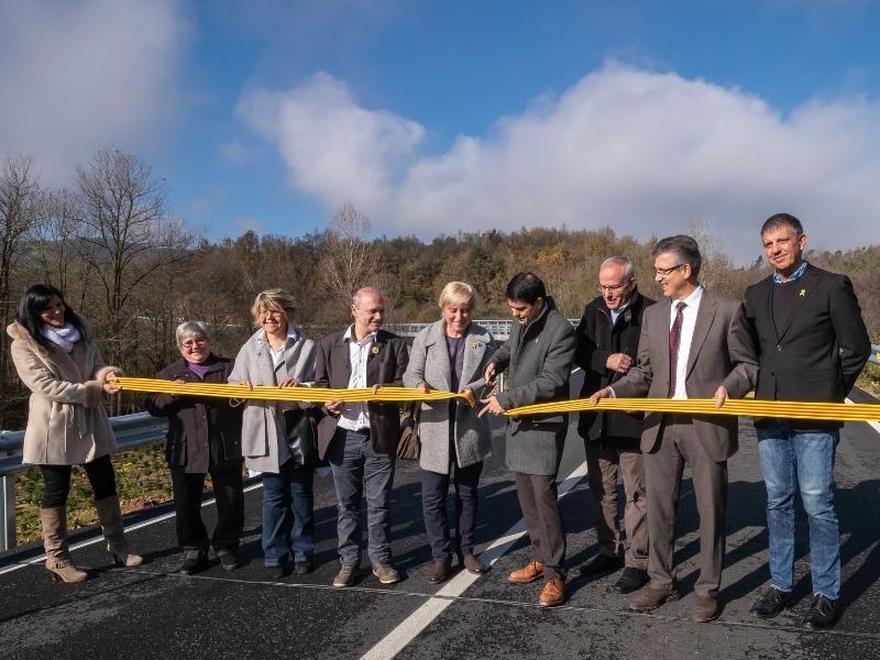 Foto 3 : Carles Àlvarez, a la inauguració del nou pont de connexió a la GIP-5251 a Viladrau