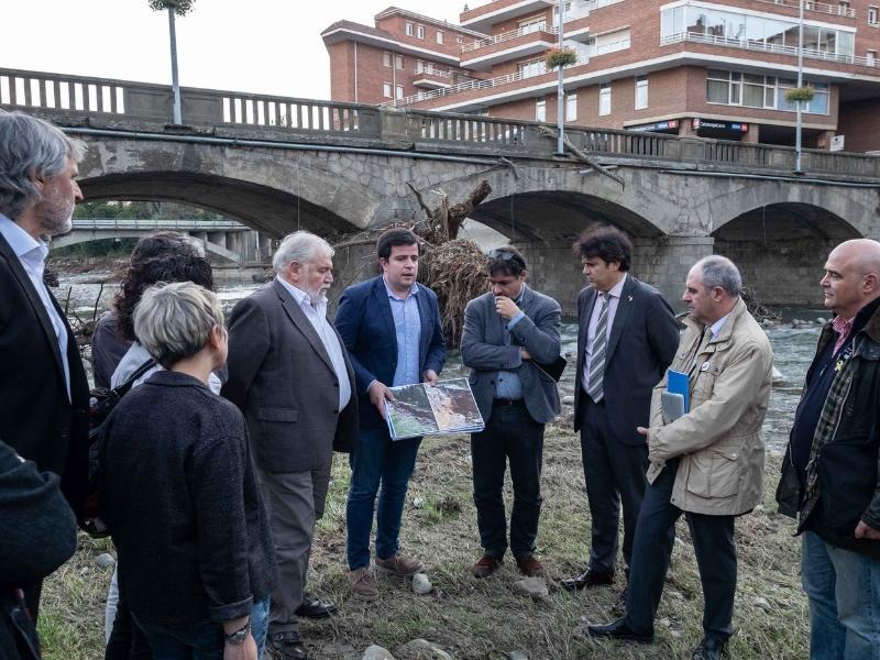 Foto 4: Reunió del Consell d'Alcaldes i Alcaldesses del Ripollès pels efectes de les restes de l'huracà Leslie<br>