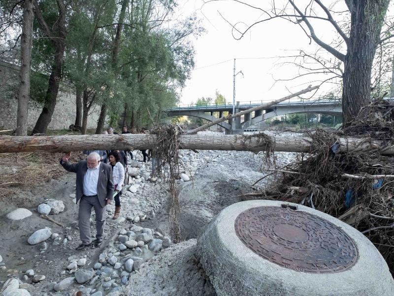 Foto 9: Reunió del Consell d'Alcaldes i Alcaldesses del Ripollès pels efectes de les restes de l'huracà Leslie<br>