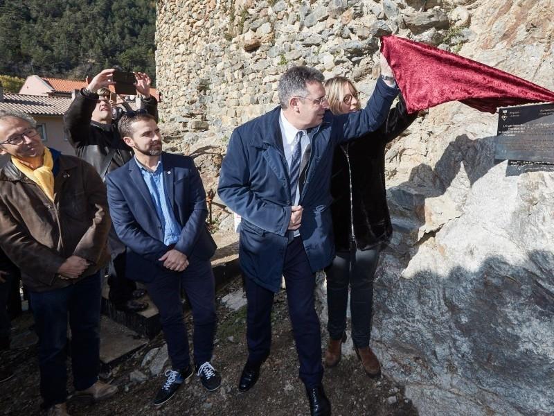 Foto 3 : <p>Inauguraci&oacute; de les obres de restauraci&oacute; del castell de Sant Pere, de Ribes de Freser</p>