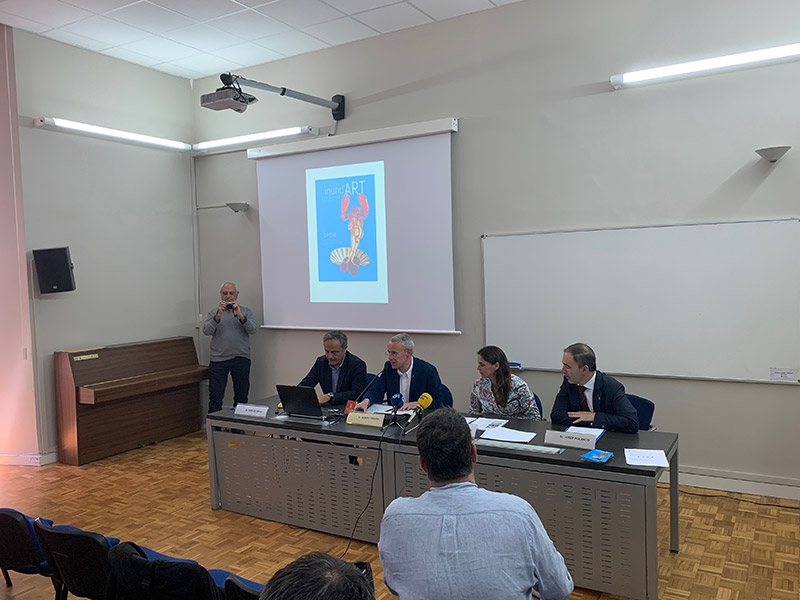 Foto 2 : <div>Albert Piñeira assisteix a la presentació de la catorzena edició del festival Inund'ART</div>