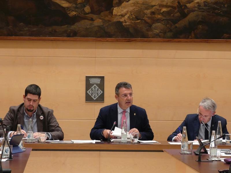 Foto 4: El primer ple ordinari de la legislatura s'inicia amb una declaració institucional sobre el canvi climàtic
