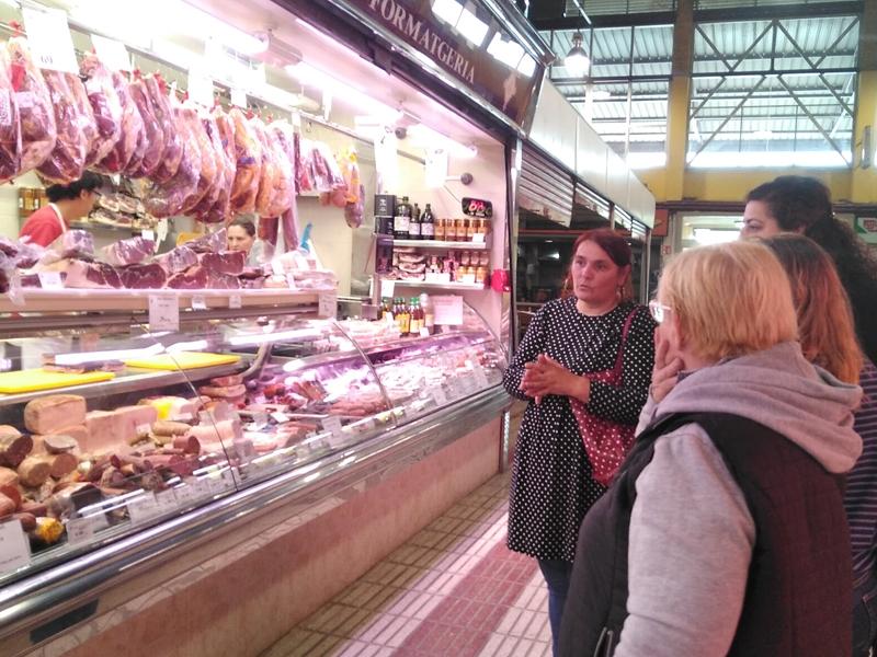 Foto 6: La segona edició d'«Estima el teu mercat» s'inicia amb activitats a cinc mercats de la demarcació de Girona