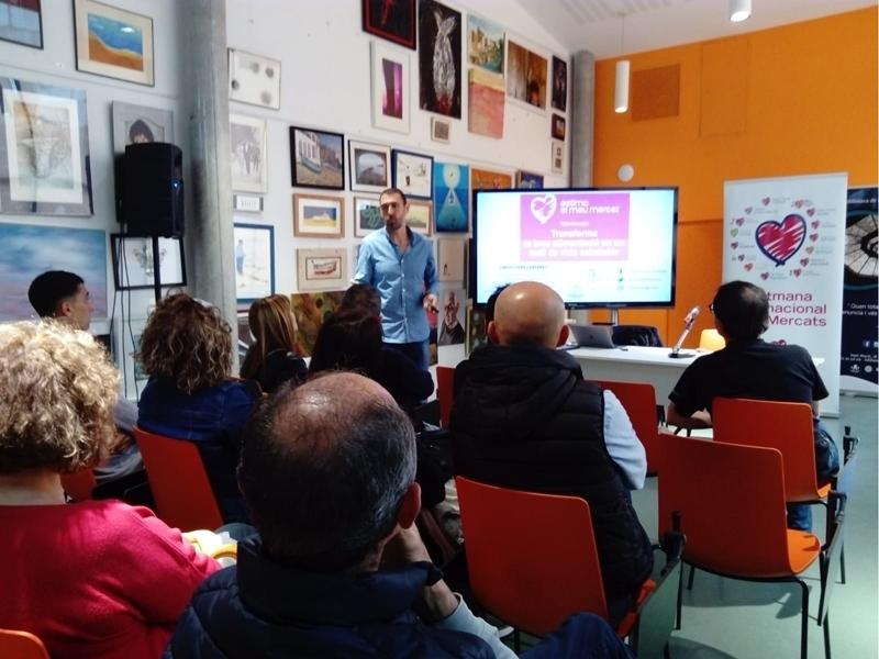Foto 3 : La segona edició d'«Estima el teu mercat» s'inicia amb activitats a cinc mercats de la demarcació de Girona