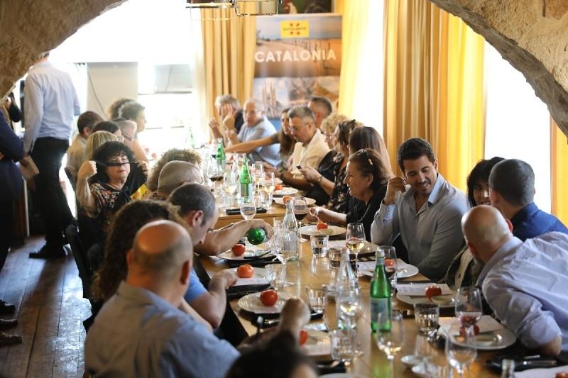 Foto 3 : <p>Quaranta operadors tur&iacute;stics i mitjans de comunicaci&oacute; israelians s&rsquo;interessen per l&rsquo;oferta tur&iacute;stica cultural i<br /> d&rsquo;activitats a la natura de la Costa Brava i el Pirineu de Girona</p>