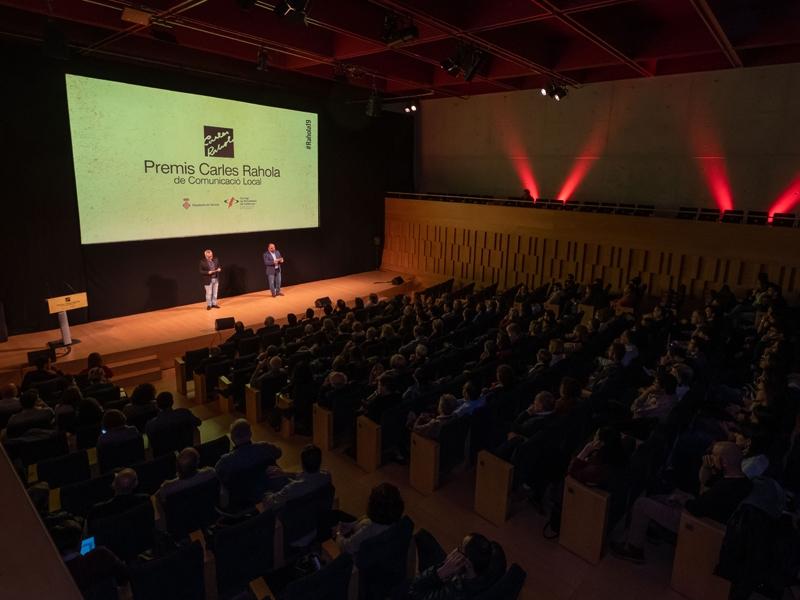 Foto 3 : Lliurament dels X Premis Carles Rahola de Comunicació Local