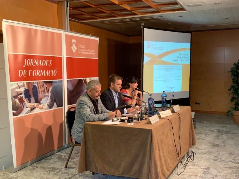 Foto 2 : La cinquena sessió del VII Seminari de XALOC ha tractat sobre la contractació pública i el procediment administratiu<br>