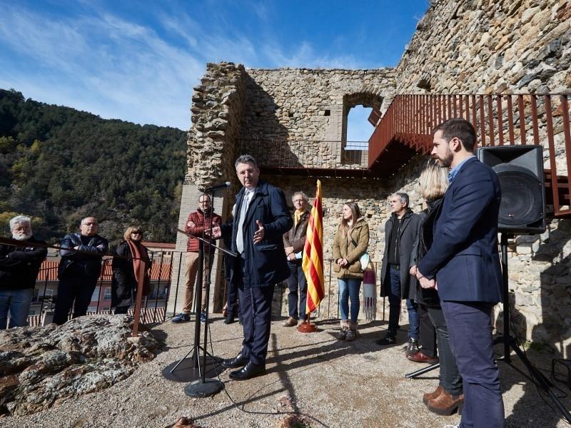 Foto 4: <p>Inauguraci&oacute; de les obres de restauraci&oacute; del castell de Sant Pere, de Ribes de Freser</p>