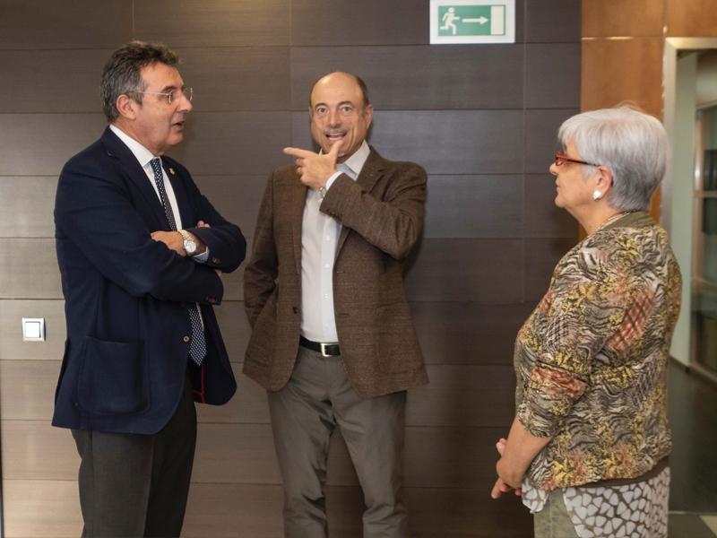 Foto 3 : Visita a la seu del Col·legi Oficial de Metges de Girona<br>
