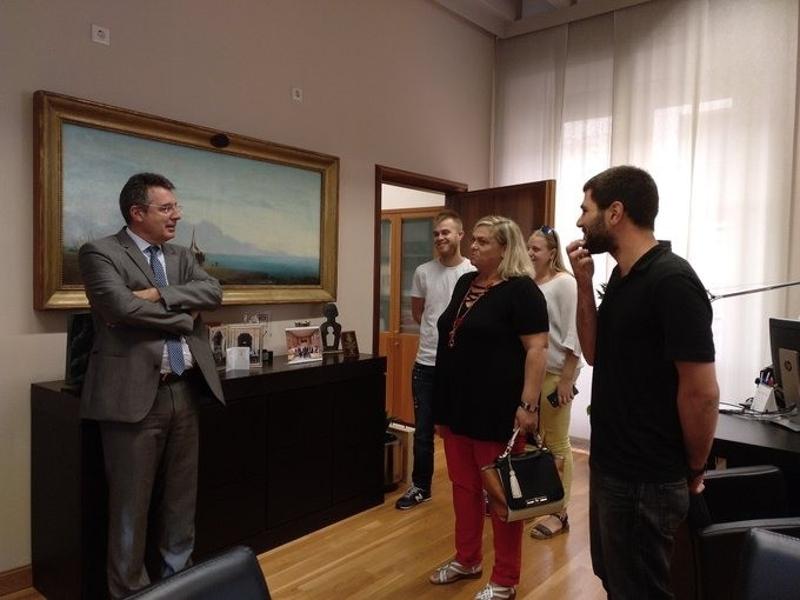 Foto 3 : Lliurament dels premis de la segona edició del Concurs d'Agost de la Diputació de Girona a Twitter<br>