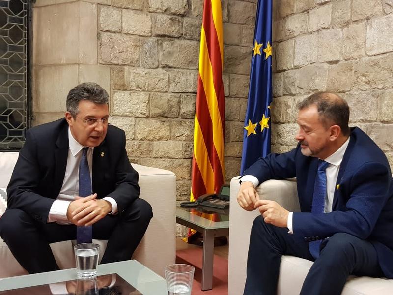 Foto : <p>El conseller Alfred Bosch i el president Miquel Noguer es reuneixen a Barcelona</p>