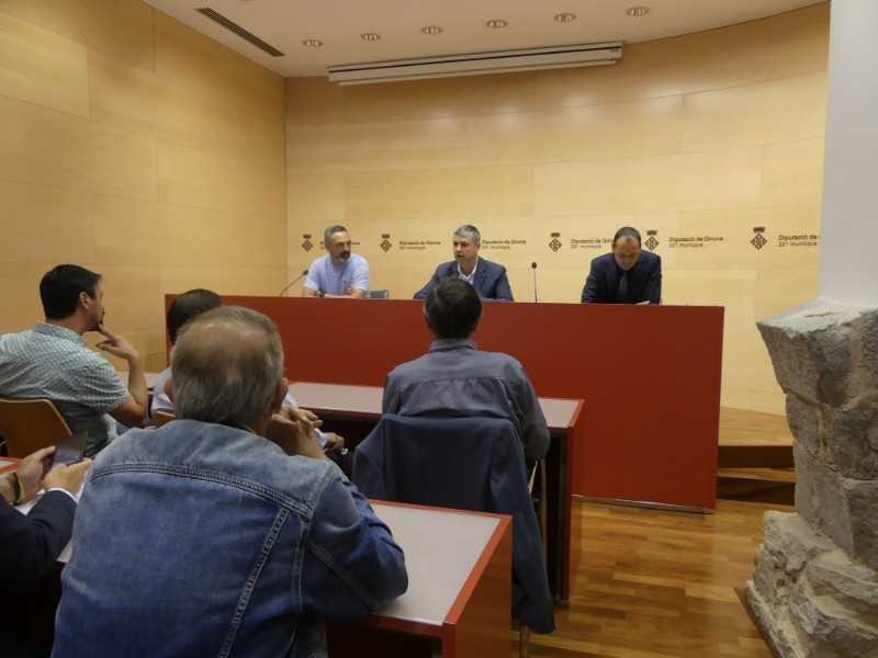 Foto 2 : Es presenta la I Copa Campions - Diputació de Girona, la festa del futbol base gironí