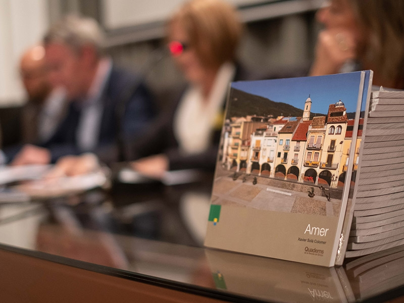 Foto 3 : <p>Presentaci&oacute; d&#39;una nova monografia dels &laquo;Quaderns de la Revista de Girona&raquo;, dedicada a Amer</p>