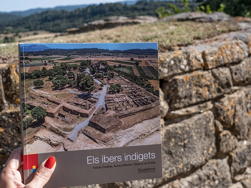 Foto 4: «Quaderns de la Revista de Girona» arriba al número 200 amb la guia sobre els ibers indigets<br>
