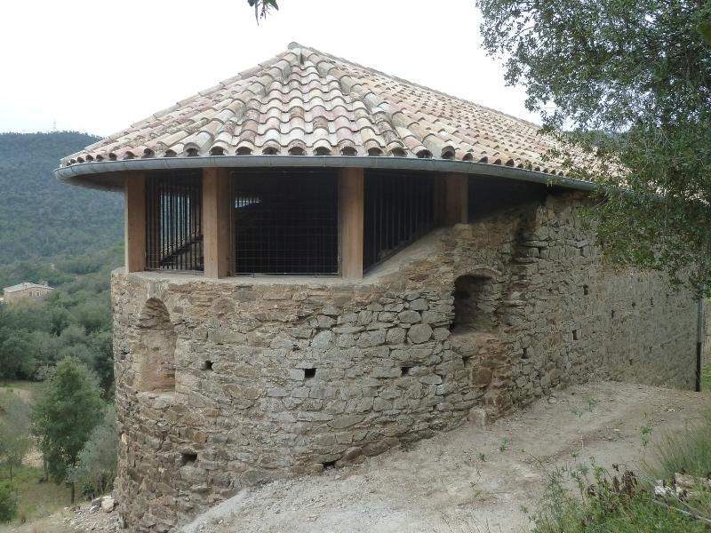 Foto 5: Inaugurada la restauració de l'església vella de Sant Mateu de Vall-llobrega