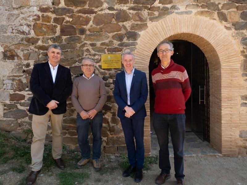 Foto 7: Inaugurada la restauració de l'església vella de Sant Mateu de Vall-llobrega
