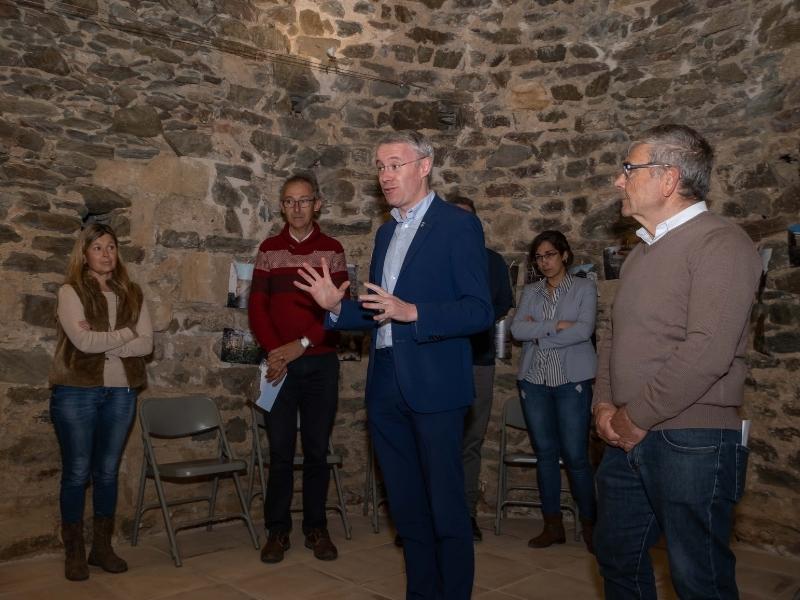 Foto 9: Inaugurada la restauració de l'església vella de Sant Mateu de Vall-llobrega