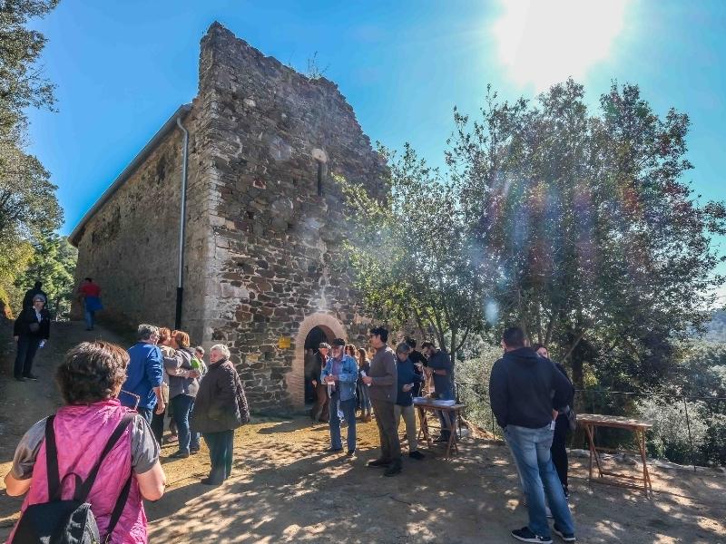 Foto 3 : Inaugurada la restauració de l'església vella de Sant Mateu de Vall-llobrega