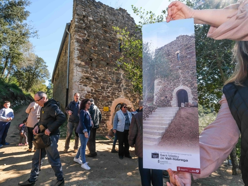 Foto 6: Inaugurada la restauració de l'església vella de Sant Mateu de Vall-llobrega