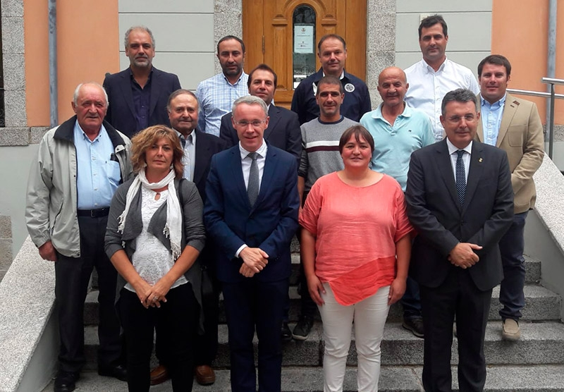 Foto 2 : El president Miquel Noguer es reuneix amb el Consell d'Alcaldes i amb la presidenta del Consell Comarcal de la Cerdanya<br>