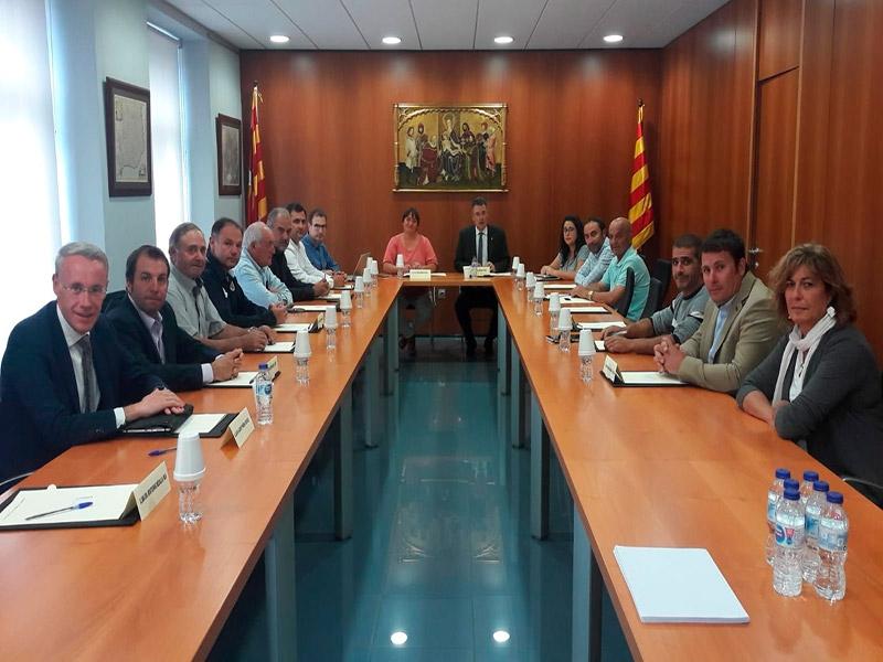 Foto : El president Miquel Noguer es reuneix amb el Consell d'Alcaldes i amb la presidenta del Consell Comarcal de la Cerdanya<br>
