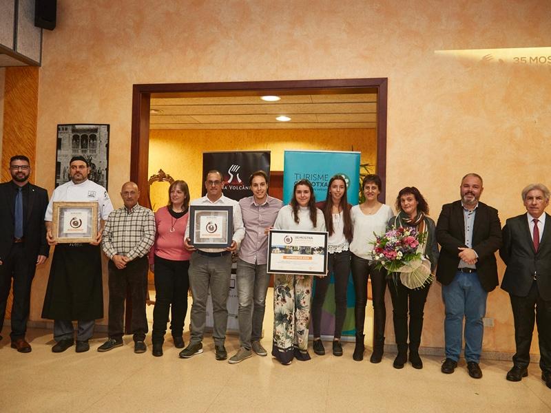 Foto 3 : El president de la Diputació participa en l'obertura de la 35a edició de la Mostra Gastronòmica de la Garrotxa